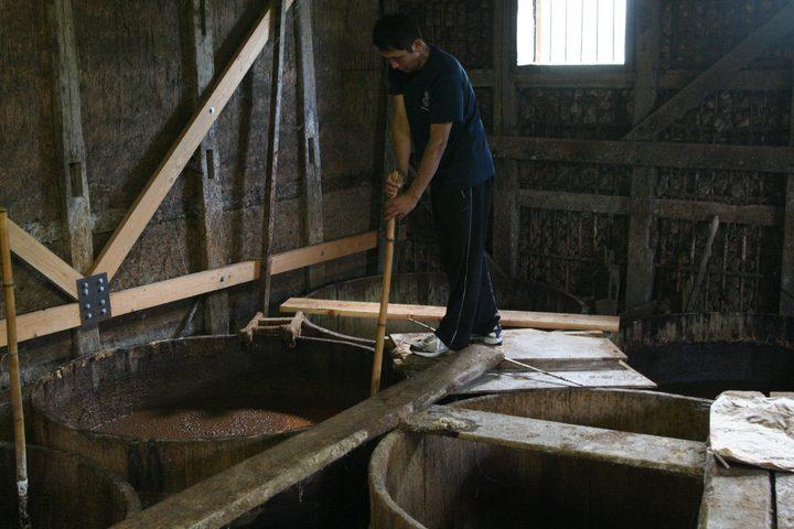 120年前の杉樽でつくる